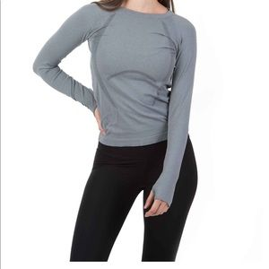5/$25 P'tula seamless long sleeved top medium